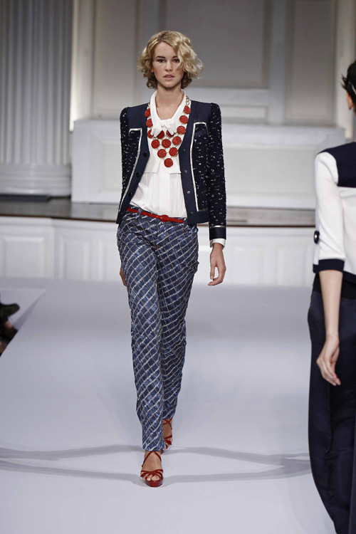 Oscar de la Renta resort wear 2010 :  blue pants jacket resort